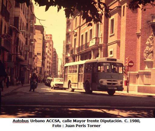 Autobus de accsa, frente a Diputación , foto Juan Peris Torner