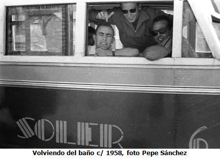 Volviendo del Baño c. 1958, foto Pepe Sanchez