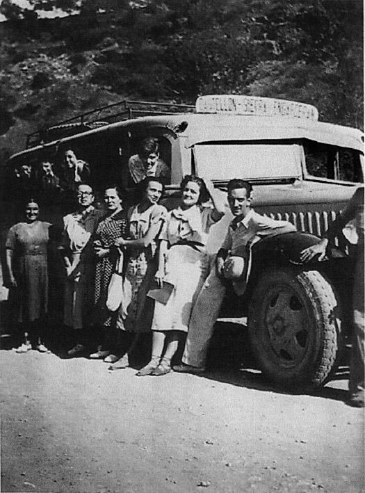 1950 - Autobus Castellón-Sierra Engarcerán-167 (12 cms)