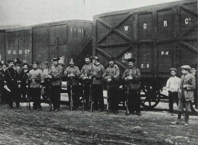 La Guardia Civil retiene tres vagones con armas procedentes de Amberes en Orense , destinadas a los contrerevlucionarios monarquicos de Portugal, año 1911